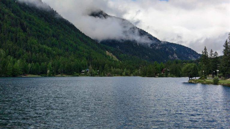 tour-du-mont-blanc-champex-lake